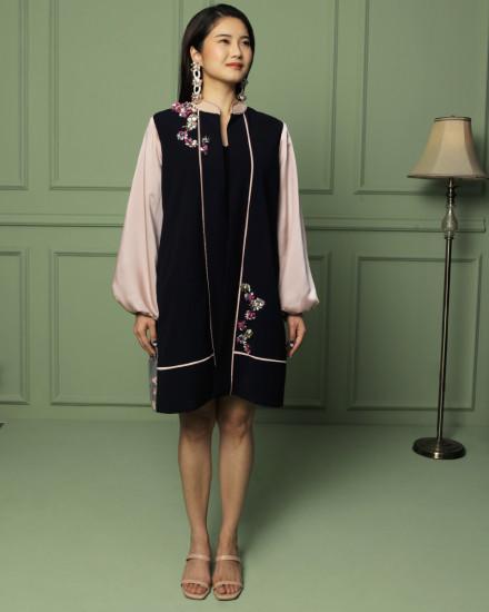 Shu Cheongsam Outerwear in Navy & Pink