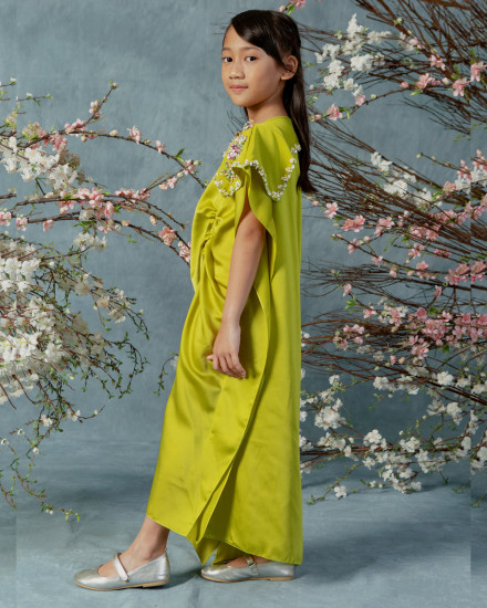 2-9 yo Katka Petite Ruched Slim Fit Kaftan in Acid Lime
