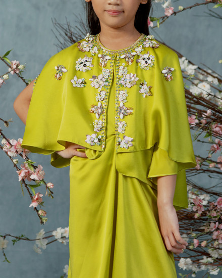 Neuva Petite Cape-effect open shoulder kaftan in Acid Lime